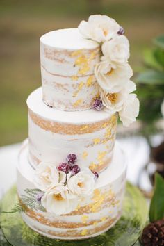 Wedding Cake Trends - Naked Cake- photo by Janeane Marie Photography