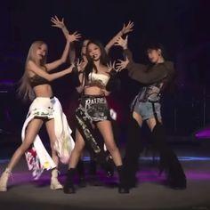 Black Pink Songs, Black Pink Kpop, Jungkook Abs, Foto Jungkook, South Korean Girls, Korean Girl Groups, K Pop, 26th Seoul Music Awards, Pink Movies
