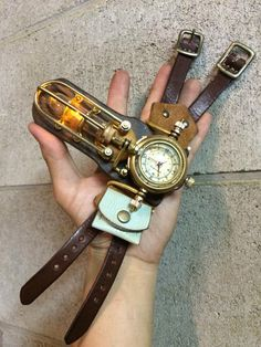 Opened up like that, it looks like a dragonfly  Wicked!  Steampunk Watch