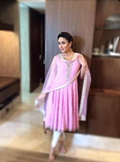 Kareena Kapoor at the ITC hotel in Kolkata. #Style #Bollywood #Fashion #Beauty