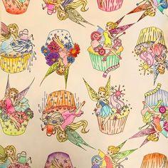 みんなで仲良く塗りました。 おばあちゃん(86)がはみ出しもせず、色使いがビビッドでビビッタ!!  #祖母 と #母 と #私 #大人の塗り絵 #ぬりえ #disneygirlscoloringbook #ディズニーガールズカラーリングブック #コロリアージュ #coloriage #カラーリング #coloring