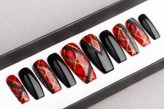 Plaid Press On Nails Plaid nails Hand painted Nail Art Christmas Nail Designs, Christmas Nail Art, Holiday Nails, Plaid Nail Art, Plaid Nails, Painted Nail Art, Hand Painted, Nail Art Noel, Diy Nails Stickers
