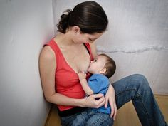 22 Photos That Show the Beauty of Breastfeeding . breastfeeding is absolutely beautiful, whether you do it or not. Extended Breastfeeding, Breastfeeding In Public, Breastfeeding Support, Breastfeeding Images, Breastfeeding Toddlers, Health Programs, Sinus Infection, Baby Center, Mother And Baby