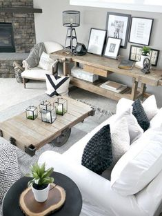 Nice 42 Rustic Modern Farmhouse Living Room Decor Ideas. More at http://trendecor.co/2018/05/09/42-rustic-modern-farmhouse-living-room-decor-ideas/