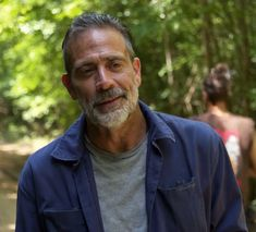 Walking Dead Season 9, The Walking Dead, Walking Dead Wallpaper, Handsome Older Men, Jeffrey Dean Morgan, Rick Grimes, Daryl Dixon, Comedians, Chandler Riggs