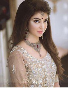 bridal jewelry for the radiant bride Bridal Mehndi Dresses, Pakistani Wedding Outfits, Pakistani Bridal Dresses, Pakistani Wedding Dresses, Wedding Dresses For Girls, Bridal Outfits, Girls Dresses, Bridal Makeup Looks, Bridal Looks