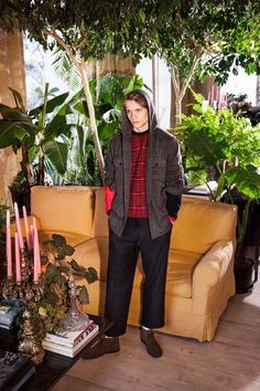 See the complete MP Massimo Piombo Fall 2017 Menswear collection.