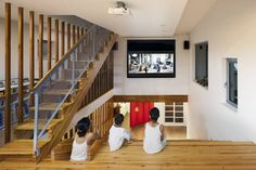 Spectacular stair dominates house, serves many functions : TreeHugger