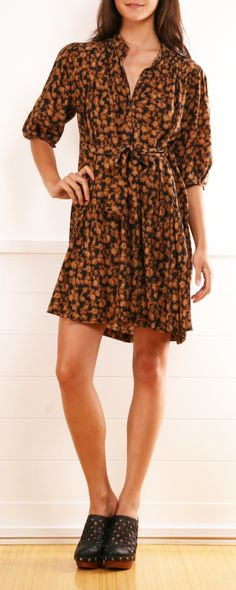 I am in the mood of printed dresses with clogs