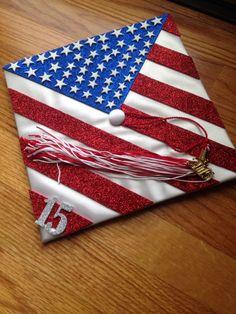 American flag grad cap Graduation Cap Toppers, Graduation Cap Designs, Graduation Cap Decoration, Graduation 2016, Graduation Caps, Grad Hat, Flag Painting, Cap Decorations, 4th Of July Party
