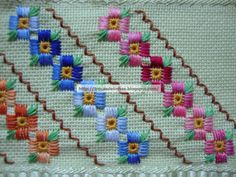 Risultati immagini per ponto reto Hardanger Embroidery, Embroidery Stitches, Embroidery Patterns, Types Of Embroidery, Ribbon Embroidery, Cross Stitch Borders, Cross Stitch Patterns, Chicken Scratch Embroidery, Swedish Weaving