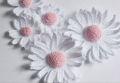 Crochet daisies- 3d with pattern