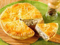 Pie to easy chicken - recipes Empanadas, Samosas, Quiches, Ramadan Recipes, Ramadan Food, Baked Yams, Spanakopita, Easy Chicken Recipes, Planks