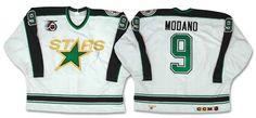 Année de fondation : 1967 Coupes Stanley : 1 ( 1999 ) North Stars du Minnesota LOGOS Le premier logo des North Stars ( 1967–1974 ) Le deuxième logo ( 1974–1979 ) Le troisième logo officiel (...