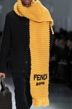 Fendi Fall 2020 Men's Fashion Show Details Milan Men's Fashion Week, Men Fashion Show, Mens Fashion Week, Fashion Outfits, Fashion Trends, Fashion Shirts, Fashion Fashion, Runway Fashion, Knitwear Fashion