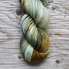Bis-sock yarn Green Gables speckled hand-dyed yarn Crochet For Beginners, Beginner Crochet, Yarn Stash, Yarn Brands, Green Gables, Sock Yarn, Hand Dyed Yarn, Yarn Colors, Knitting Yarn