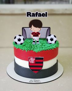 Football Birthday Cake, Party Time, Cake Decorating, Fondant, Desserts, Cakes, Anniversary Cakes, Pastries, Food