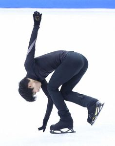 Olympic Channel, Love On Ice, Male Ballet Dancers, Ice King, Hanyu Yuzuru, Skin Tight, Figure Skating, Sports News, Grand Prix