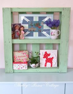 Shabby-Roses-Cottage: New shelf made from pallets