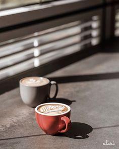 Coffee Art, Coffee Time, Coffee Shop, Coffee Cups, Coffee Photos, Teas, Drinks, Tableware, Places