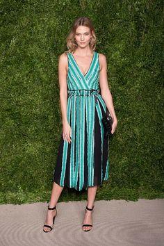 Karlie Kloss en robe Proenza Schouler à la cérémonie des CFDA 2015 à New York http://www.vogue.fr/mode/inspirations/diaporama/les-meilleurs-looks-de-la-semaine-novembre-2015/23508#karlie-kloss-en-robe-proenza-schouler-la-crmonie-des-cfda-2015-new-york