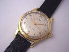 A beautifull 1950's watch by Cyma. Looak at those hands. Magic.
