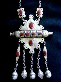 Gorgeous Handcrafted Vintage Turkmen Tribal Jewelry Tumar Pendant Necklace in Quality Silver, Carnelians and Gold-Wash (Gilding). 3-dimensional pendant portion with vibrant carnelians in raised bezels.