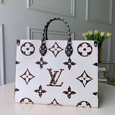 New Model LV Shopping Bags Online : Vuitton Bag, Louis Vuitton Handbags, Lv Tote, Bags Uk, Lv Bags, Louis Vuitton Shoes Sneakers, Gel Lyte, Cheap Bags, New Model