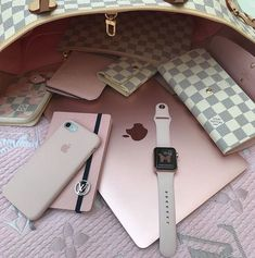 2019 New Louis Vuitton Handbags Collection for Women Fashion Bags have it Louis Vuitton Keepall, Sacs Louis Vuiton, Louis Vuitton Taschen, Louis Vuitton Handbags, Pink Louis Vuitton, Louis Vuitton Makeup Bag, Louis Vuitton Monogram, Toms Shoes Outlet, Replica Handbags