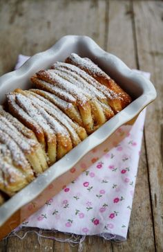 "Brioche à la cannelle (Cinnamon pull-apart bread) par ""that's amore"" Vegan Baking, Bread Baking, Yeast Bread, Thermomix Pan, Cinnamon Pull Apart Bread, Delicious Desserts, Yummy Food, Sweets Cake, Breakfast Cake"