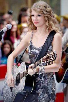 """Ellen: Taylor Swift Performed """"Begin Again"""" From New Album """"Red""""    #Ellen #TaylorSwift"""
