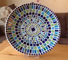 Stunning Mosaic Dish / Bowl in shades of Teal von PineappleMosaics Mosaic Birdbath, Mosaic Tray, Sea Glass Mosaic, Mosaic Garden, Glazed Ceramic Tile, Ceramic Mosaic Tile, Mosaic Crafts, Mosaic Projects, Bowl Designs