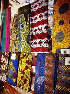 Shopping Ghana, Africa: A Bespoke Dress, Custom Made, Just for You - Souvenir Finder African Print Dresses, African Print Fashion, African Wear, African Prints, African Theme, Ghana Fashion, Africa Fashion, African Textiles, African Fabric