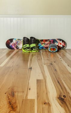 We carry a diverse inventory of wide plank hardwood flooring. Rely on us for everything from heart pine to reclaimed red oak.