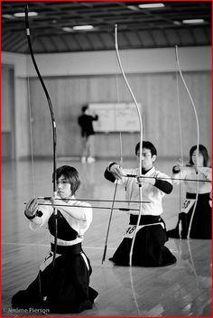 Japanese archery, Kyudo, archers, bows. arrows, b/w, japan