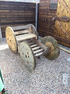 Cogs, Garden Furniture, Firewood, Electric, Texture, Fun, Crafts, Outdoor Garden Furniture, Surface Finish