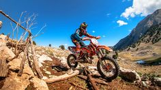 Enduro Racing Into the Sky - Day 3 Recap - Red Bull Sea to Sky