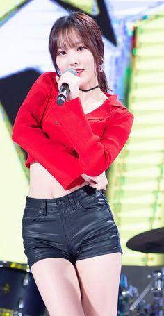 #yuju Kpop Girl Groups, Korean Girl Groups, Kpop Girls, Korean Women, South Korean Girls, Asian Woman, Asian Girl, Gfriend Yuju, Female Character Inspiration