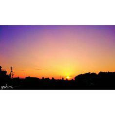 昨日の夕焼け  おはようございます 今日は風もなく 穏やかな朝 美味しいコーヒーが 飲みたくなる 今日もたくさんの笑顔が 溢れますように  今月もみなさん 仲良くしてくださいね  同じ空の下 素敵な一日を  #sky#skyporn#skylovers#skycolors#sunset#sunsetporn#nature#natureporn#instasky#instasunset#instagram#clouds#morning#japan#空#カコソラ#夕焼け#夕暮れ#夕陽#マジックアワー#おはよう#同じ空の下#ダレカニミセタイソラ#アナタニトドケタイソラ#アナタトミタイソラ#igで繋がる空#空が好きな人と繋がりたい#優しい空#景色#風景 by natsuiro_429