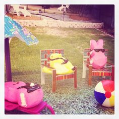 We've been busy this morning with our Peep Crawl ! My Peeps diorama for our Peeps contest at work! Summertime with my Peeps! *AG*