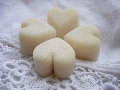DIY Cocoa Butter Bath Melts #DIYpersonalcare #essentialoils #bathmelts