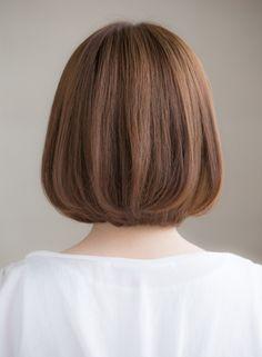 大人可愛いカジュアルナチュラルボブ(髪型ボブ) Medium Short Hair, Short Hair Cuts, Medium Hair Styles, Korean Short Hair Bob, Haircuts Straight Hair, Short Bob Haircuts, Korean Hair Color, Shot Hair Styles, Hair Arrange
