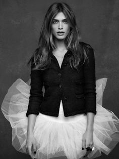 Elisa Sednaoui The Little Black Jacket CHANEL's classic revisited by Karl Lagerfeld and Carine Roitfeld Elisa Sednaoui, Karl Lagerfeld, Style Noir, Mr Style, Big Fashion, Fashion Looks, Fashion Outfits, Chanel Fashion, Fashion Black