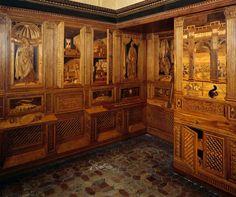 Studiolo di Federico da Montefeltro, Veduta di due pareti intarsiate, 1473-76, Palazzo Ducale, Urbino.