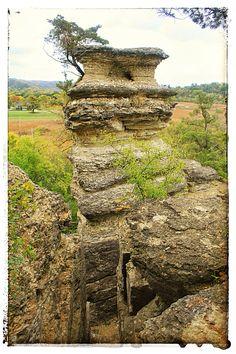 Decorah, Iowa, Pulpit Rock park, the limestone scupltures of Iowa