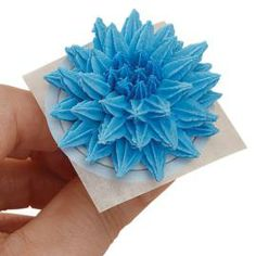 How to make a Pompom Flower. Step-by-step instructions.