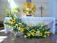 kompozycje na ołtarz - słoneczniki, mieczyki, lilie, margaretki