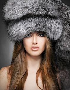 Big silver fox fur hat  #silverfox #furonline #furfashion Stunning Women, Me Gustas, Furs, Portrait Photography, Girl Fashion, Winter Hats, Comfy, Beautiful Women, Ladies Fashion