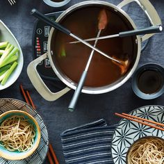 For prime fondue inspiration, we looked to traditional Japanese hot pot, shabu-shabu—a dish whose name comes from the sound of ingredients being stirred and cooked in dashi. Fondue Raclette, Beer Cheese Fondue, Carrot And Ginger, Fresh Ginger, Nori Seaweed, Shabu Shabu, Mushroom Pasta, Soba Noodles, Hot Pot