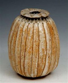 """AN ALAN WALLWORK POPPY-HEAD SHAPED VASE, inscribed with potter's initials to the base, 4 3/4"""" hig"""